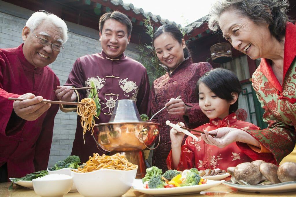 8 Hal yang biasanya dilakukan oleh orang Tionghoa pada saat Imlek 4