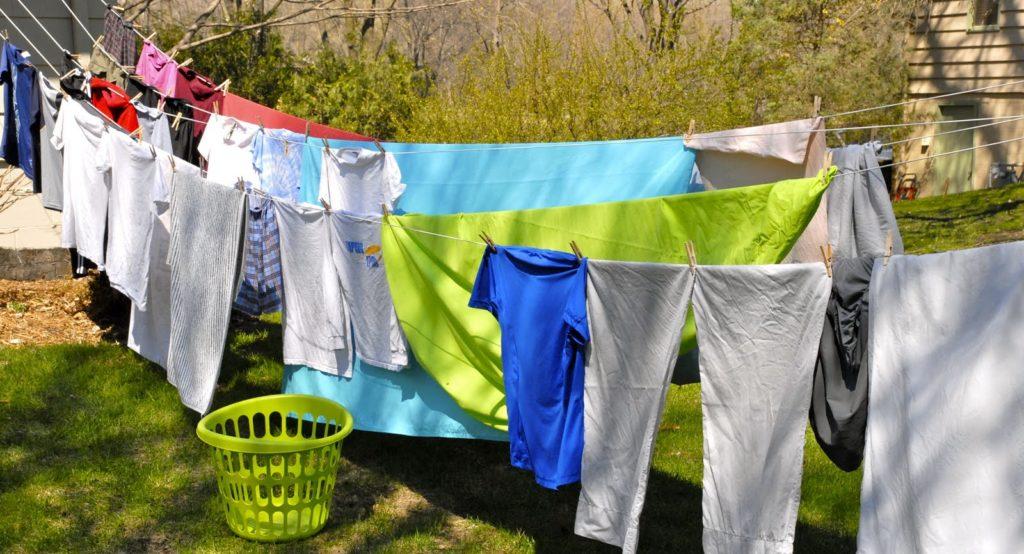 5 Trik Agar Pakaian Cepat Kering Saat Musim Hujan 3