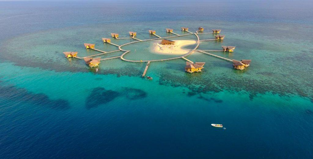 7 Pulau Di Indonesia Yang Keindahannya Tak Kalah Dari Maldives 5