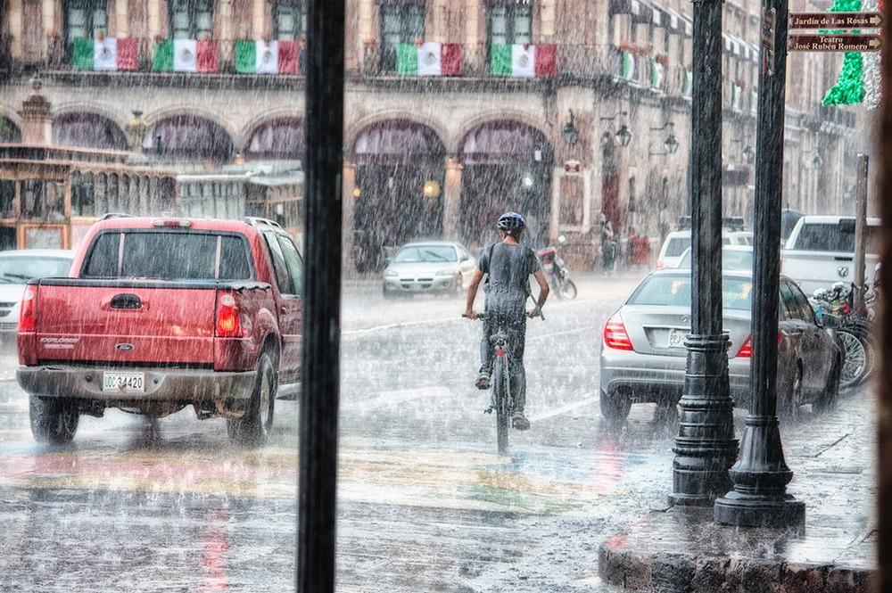 6 Tips Berlibur Saat Musim Hujan Biar Ga Ngerasa Gagal 3