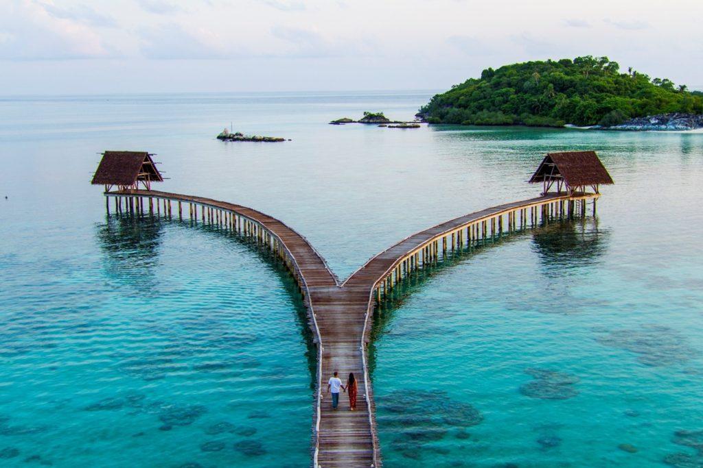 7 Pulau Di Indonesia Yang Keindahannya Tak Kalah Dari Maldives 4