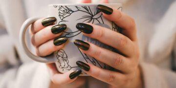 Tak Perlu Kesalon, 6 Tips Merawat Kuku Agar Tetap Cantik & Bersih 18