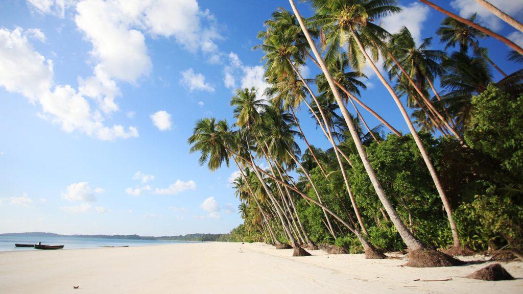 7 Pulau Di Indonesia Yang Keindahannya Tak Kalah Dari Maldives 7