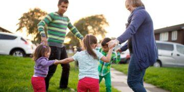 5 Manfaat Mengajak Anak Bermain Diluar 12