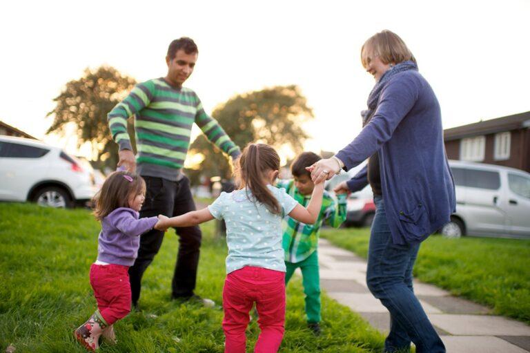 5 Manfaat Mengajak Anak Bermain Diluar 1