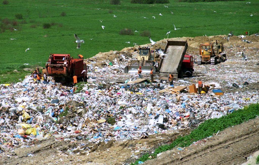 Sampah Menumpuk ? Kelola Sampah Dengan Baik & Ikuti 5 Tips Berikut Ini 7