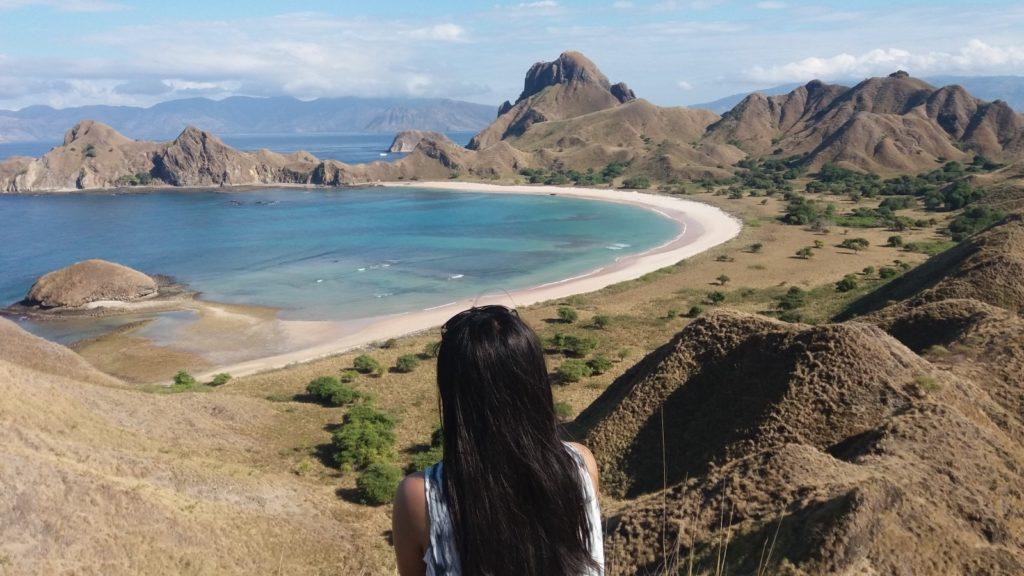 50 Pemandangan Alam Indonesia yang Wajib Traveler Samperin 11