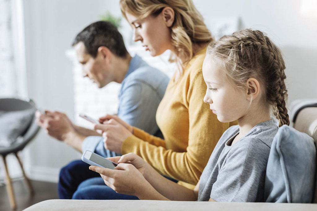 5 Tips Anak Aman Bermain Media Sosial 7