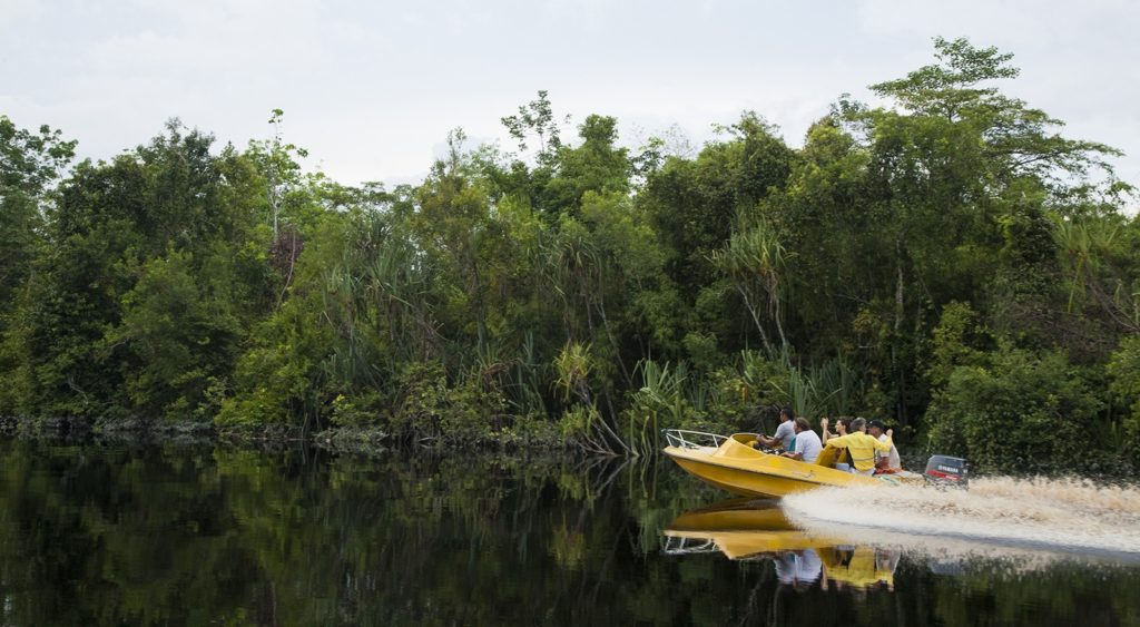 50 Pemandangan Alam Indonesia yang Wajib Traveler Samperin 39