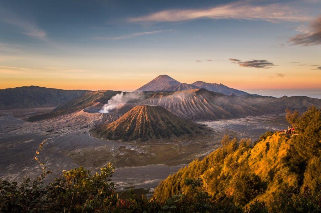 50 Pemandangan Alam Indonesia yang Wajib Traveler Samperin 19