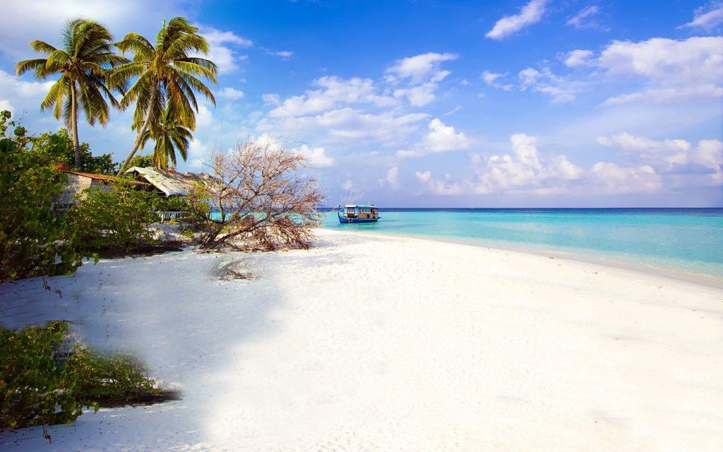 50 Pemandangan Alam Indonesia yang Wajib Traveler Samperin 46