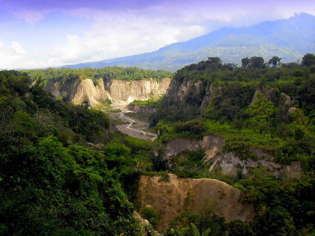 50 Pemandangan Alam Indonesia yang Wajib Traveler Samperin 43