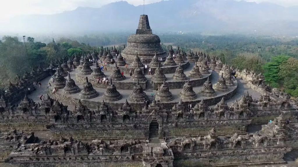50 Pemandangan Alam Indonesia yang Wajib Traveler Samperin 37