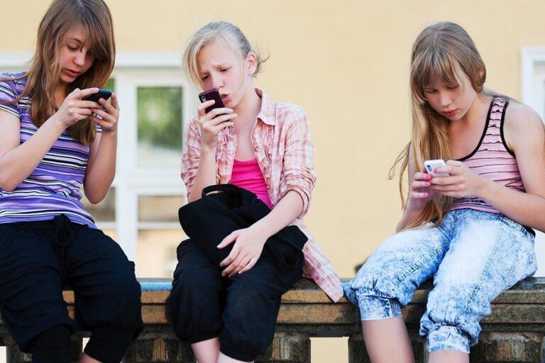5 Tips Anak Aman Bermain Media Sosial 1