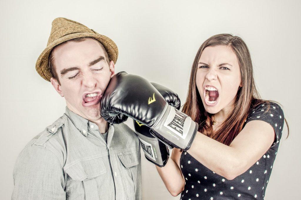 8 Perilaku Ini, Bisa Bikin Hubungan Kamu dan Pasangan Tidak Harmonis 6