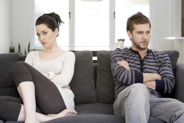 8 Perilaku Ini, Bisa Bikin Hubungan Kamu dan Pasangan Tidak Harmonis 1