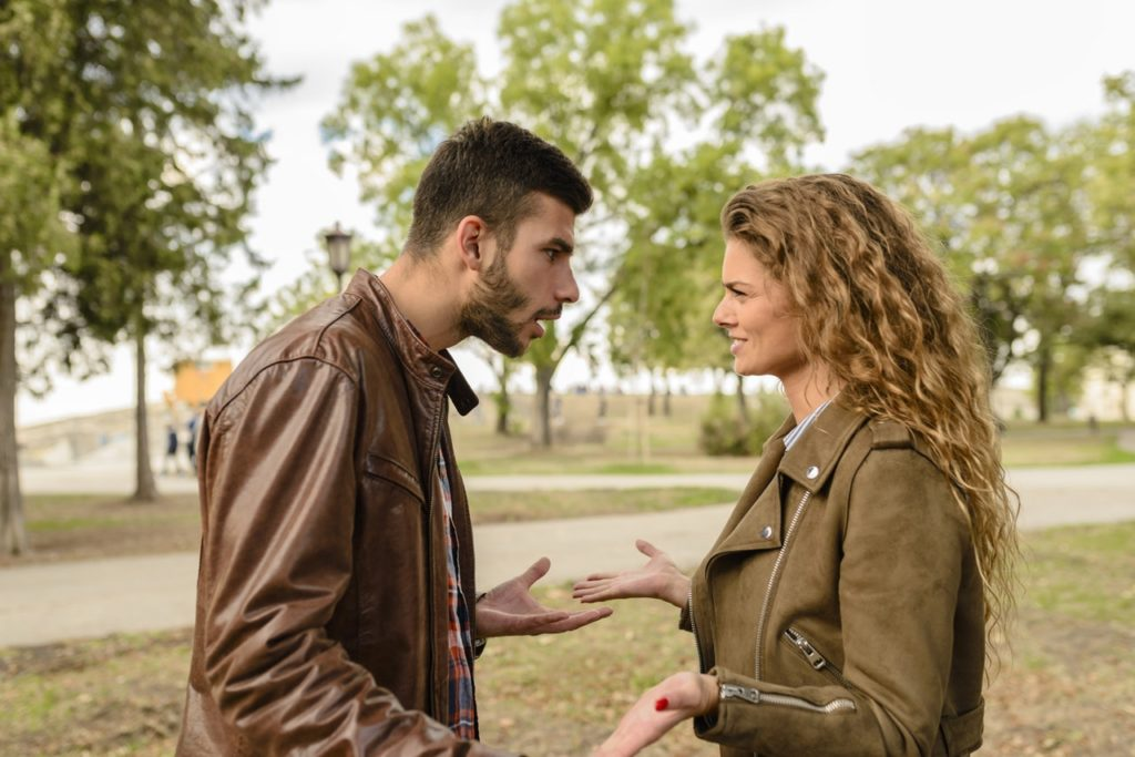 8 Perilaku Ini, Bisa Bikin Hubungan Kamu dan Pasangan Tidak Harmonis 5