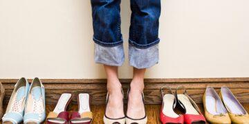 Beli sepatu online tapi kekecilan? Kamu bisa mengatasinya dengan 5 tips ini 9