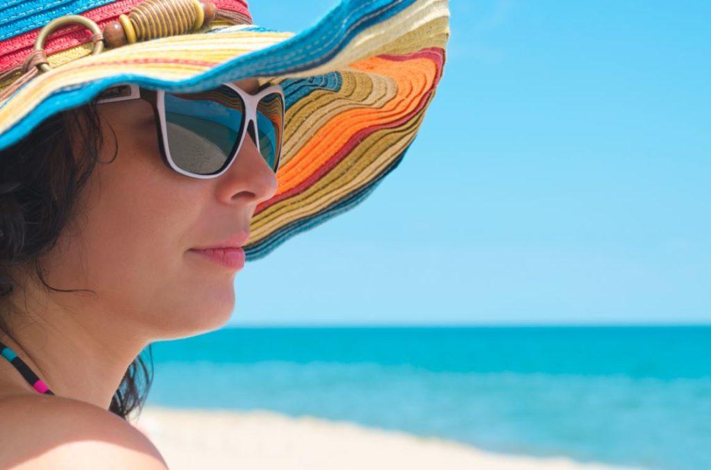 7 Manfaat Menyimpan Kosmetik Dalam Kulkas 4