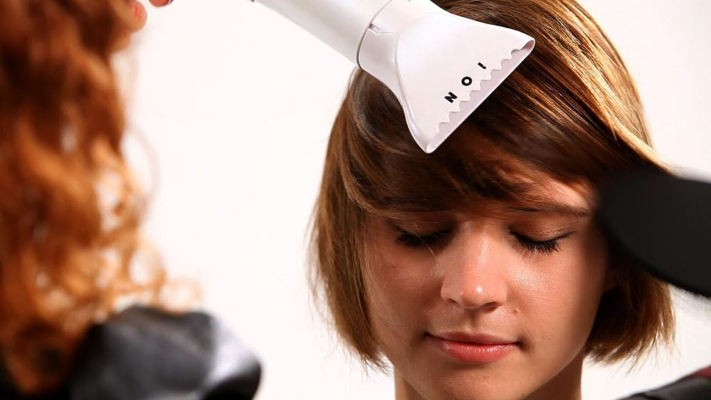 5 Cara Keringkan Rambut Tanpa Takut Rusak 4