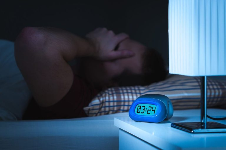 6 Tips Atasi Insomnia, Tak Perlu Obat tidur 1