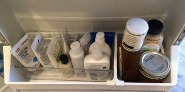 7 Manfaat Menyimpan Kosmetik Dalam Kulkas 21