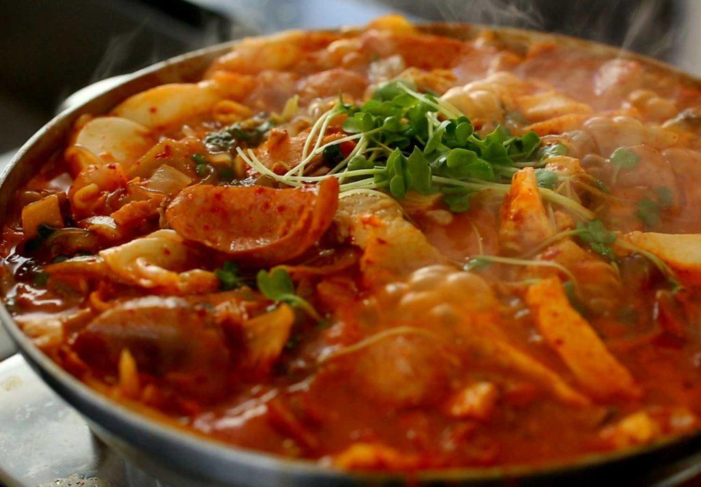 5 Makanan Khas Korea Ini Bisa Kamu Buat Sendiri di Rumah, Yuk Di Coba! 6