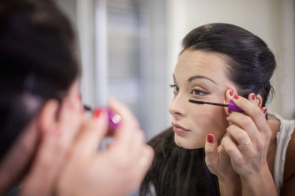 7 Tips Makeup Saat Musim Hujan 4