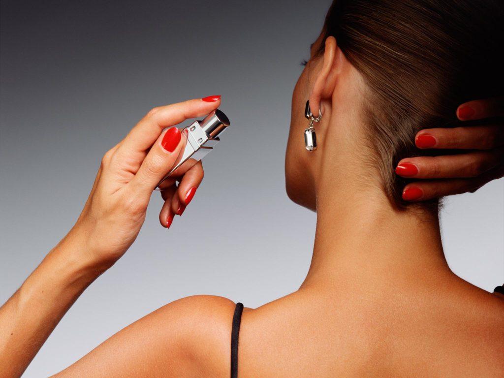 5 Bagian Tubuh Yang Wajib Di Semprot Parfum, Agar Wanginya Tahan Lama 4