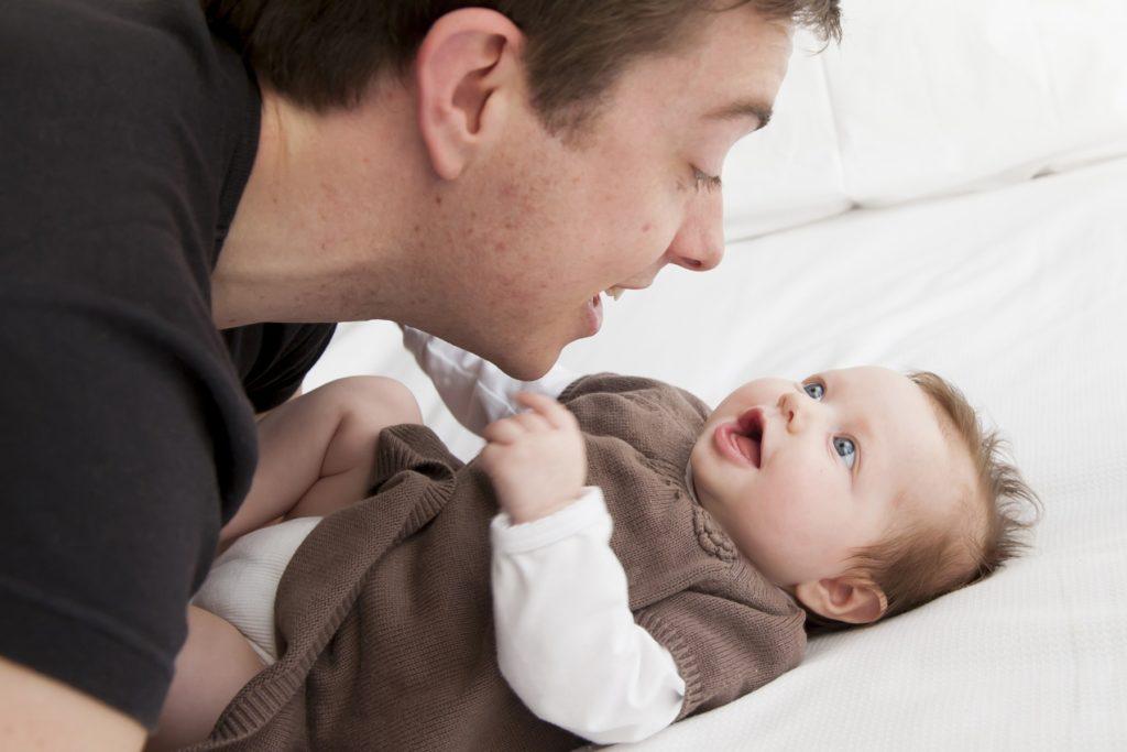5 Tips Agar Anak Cepat Bicara, Peran Ayah Sangat dibutuhkan 7
