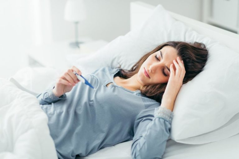 5 Tips Mencegah Sakit Akibat Kehujanan 1