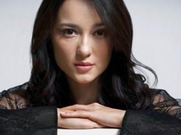 Di Kabarkan Bahwa Julie Estelle Dalam Waktu Dekat Ini Akan Lamaran Di Surabaya 4