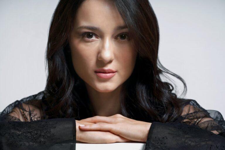 Di Kabarkan Bahwa Julie Estelle Dalam Waktu Dekat Ini Akan Lamaran Di Surabaya 1