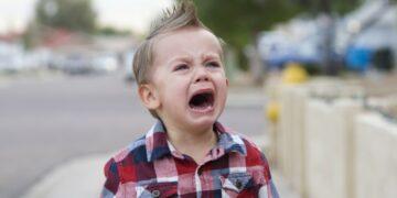 5 Tips Tenangkan Anak Saat Menangis Hingga Menjerit 10