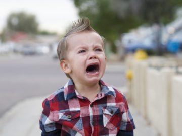 5 Tips Tenangkan Anak Saat Menangis Hingga Menjerit 13