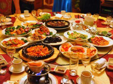 5 Makanan Dan Minuman Yang Perlu Kamu Perhatikan Saat Sahur, Bikin Cepat Kamu Merasa Haus 13