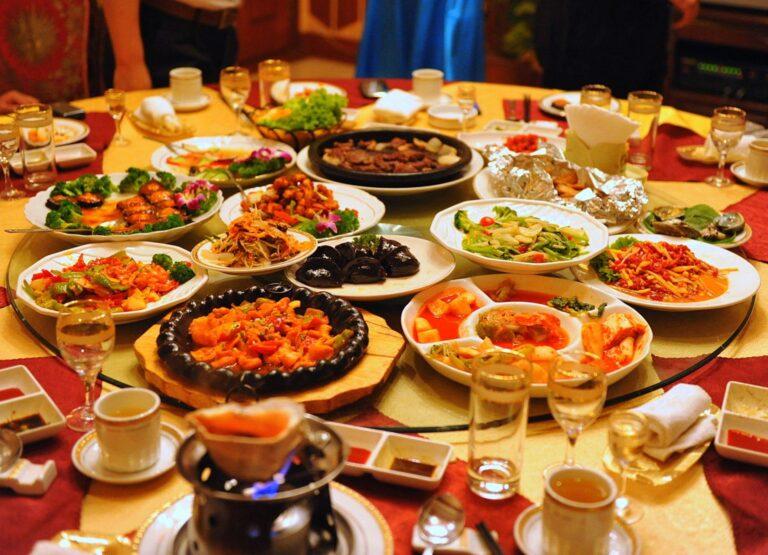 5 Makanan Dan Minuman Yang Perlu Kamu Perhatikan Saat Sahur, Bikin Cepat Kamu Merasa Haus 1