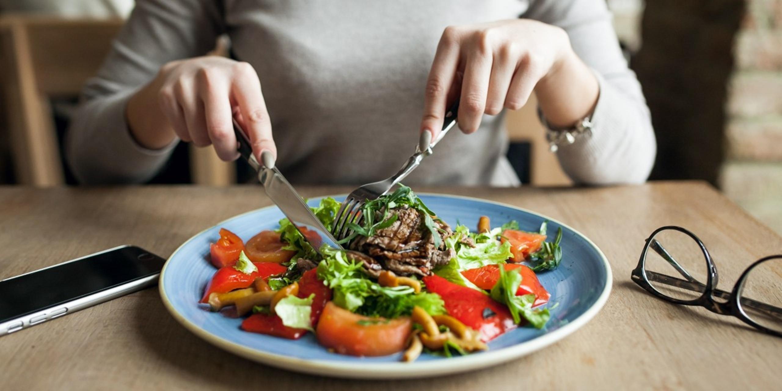 5 Makanan Dan Minuman Yang Perlu Kamu Perhatikan Saat Sahur, Bikin Cepat Kamu Merasa Haus 3