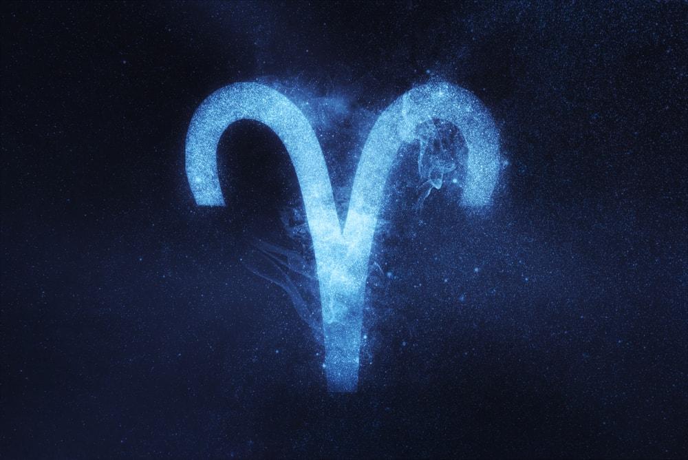 Ini Dia 5 Zodiak Yang Hatinya Kuat Saat Putus Cinta 4