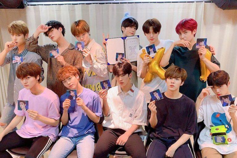Lulusan Produce X 101, Group X1 Mengumumkan Warna Fandom Resmi Menjelang Debut Mereka 1