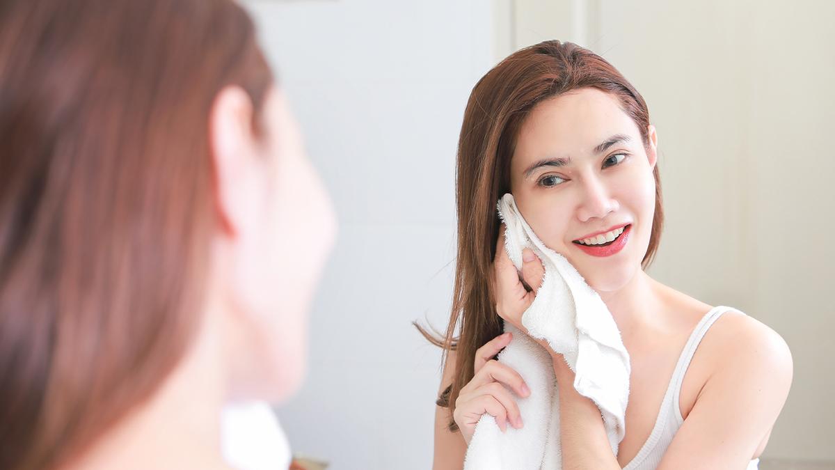 Ingin Kulit Wajah Lebih Cerah ? Terbukti Coba Pakai Cara ini Saat Mencuci Muka 3
