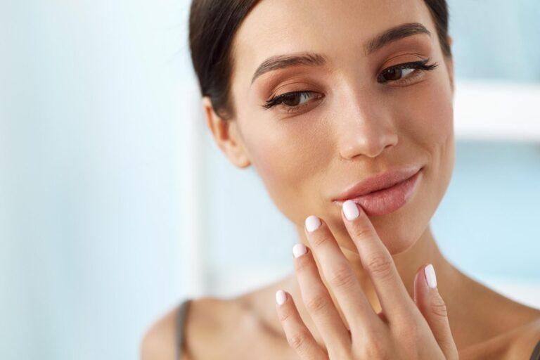 5 Cara Ampuh Menghilangkan Warna Bibir Hitam 1