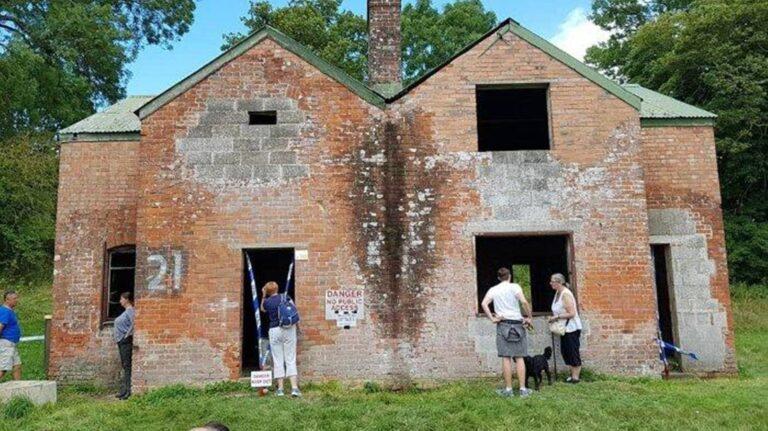 Mengerikan, Desa Hantu di Inggris Dibuka Hanya 50 Hari Dalam Setahun 1