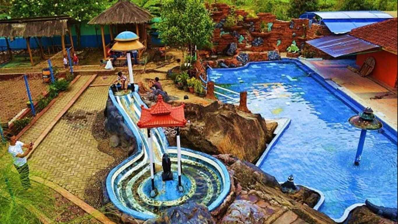 5 Rekomendasi Pemandian Air Panas di Bandung 5