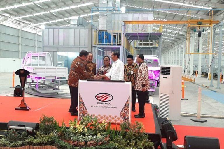 Jokowi Resmikan Pabrik Esemka, Pabrik Mobil Pertama Yang Ada di Jawa Tengah 1
