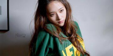 10 Inspirasi Casual Style Oleh Krystal Jung Yang Tidak Ketinggalan Jaman 17
