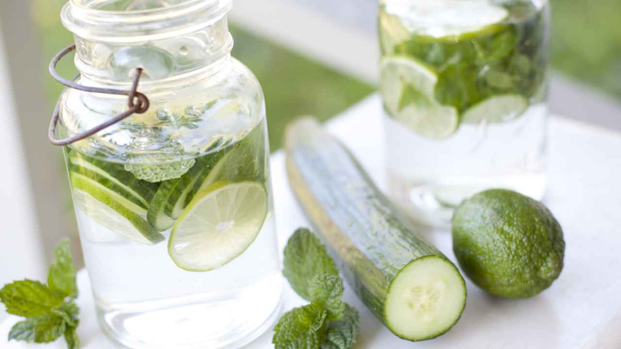 5 Bahan Infused Water Yang Membuat Tubuh Segar dan Sehat 6