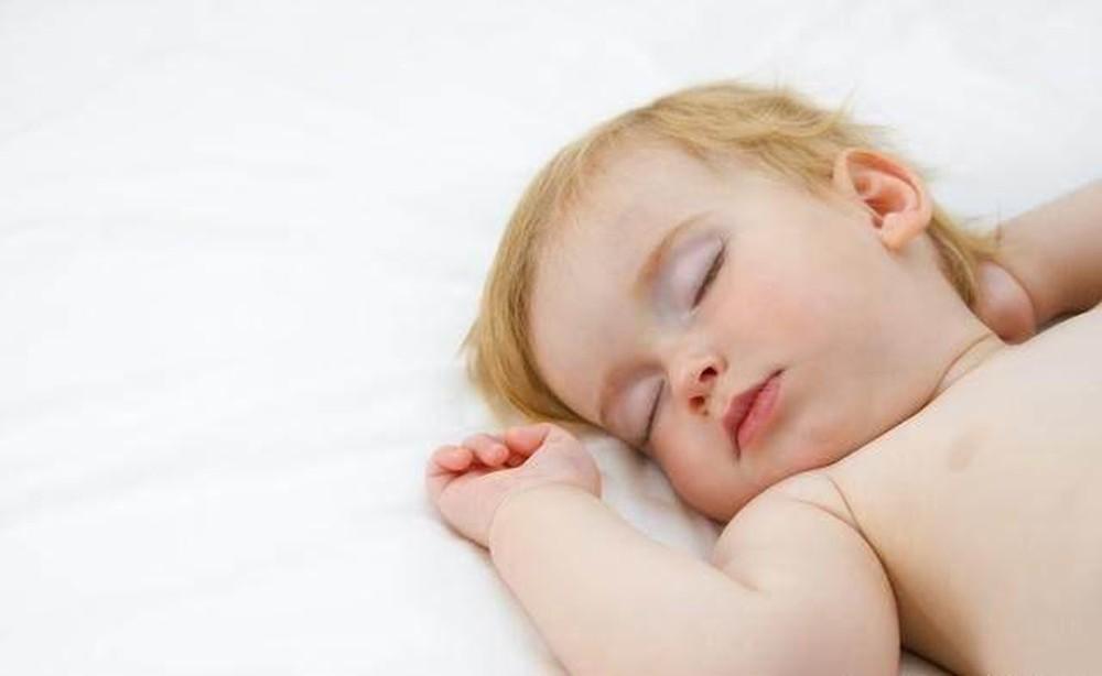 5 Posisi Tidur Bayi Yang Menggambarkan Karakter Bayi ke Depannya 5