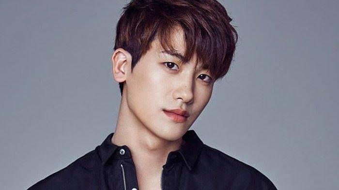 5 Kpop Idol Cowok Yang Sukses Menjadi Aktor Dengan Drama Yang Diperankan 7