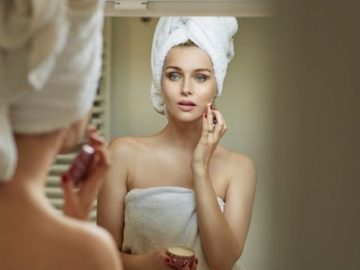 5 Tips Merawat Wajah Sebelum Tidur Untuk Hasil Fresh & Glowing Saat Bangun di Pagi Hari 10